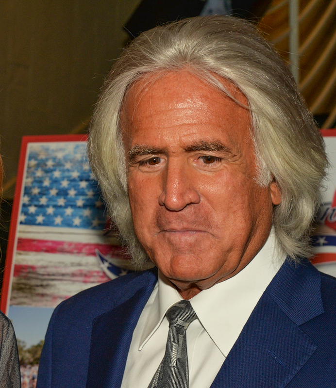 Bob Massi Building Homes for Heroes